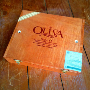 Oliva Serie O box The Original Cigar Box Guitar Kit
