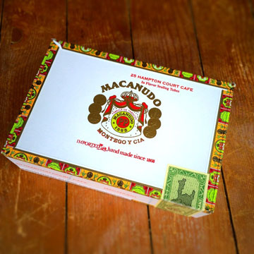 Macanudo Hampton Court Cafe box