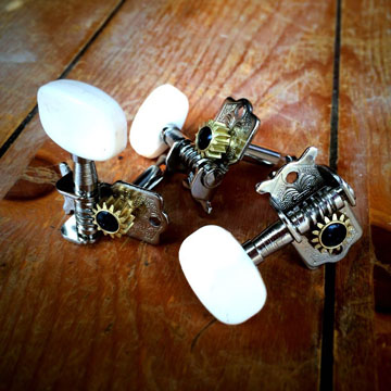Vintage style open back tuners